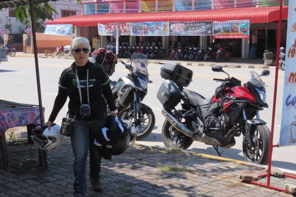 moto trip thai laos